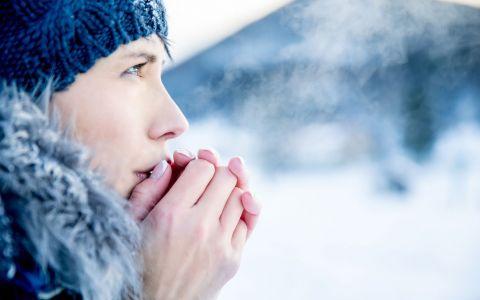 Ce nu este recomandat sa faci atunci cand afara e foarte frig. Greselile care ne pot imbolnavi