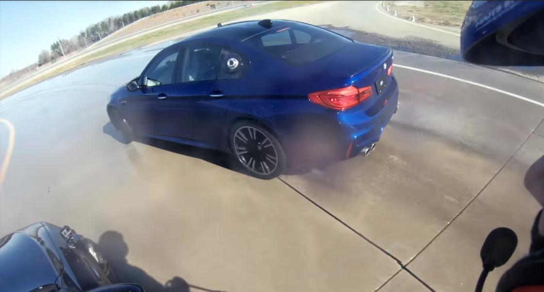 Imaginile pe care trebuie sa le vada fiecare posesor de BMW! Ce a reusit un sofer sa faca - VIDEO