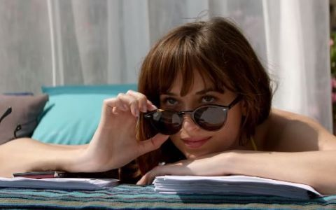 Dakota Johnson a dezvaluit cum au fost filmate scenele fierbinti din seria  Fifty Shades