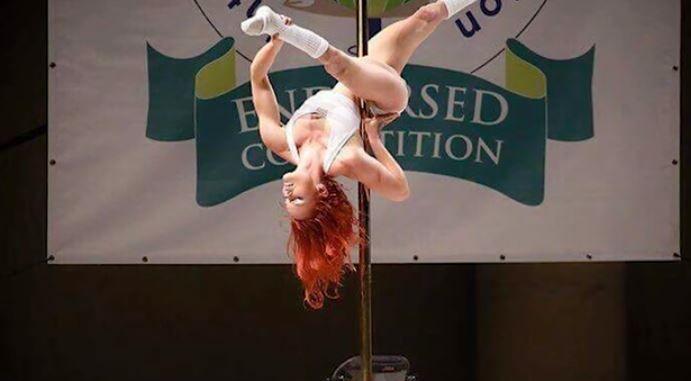 Le-a dovedit tuturor ca orice este posibil si a devenit dansatoare profesionista la bara