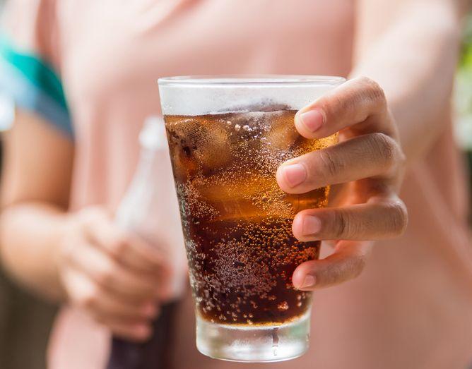 Coca Cola cu alcool va fi lansata in curand. Undei vei putea consuma bautura!