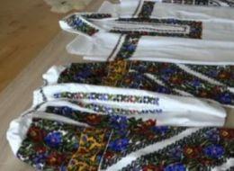 Atelierul in care se fac camasi de 2.500 de lei. Un preot l-a infiintat cu fonduri europene