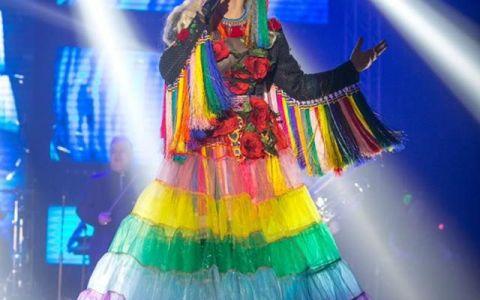 Loredana sustine spectacolul ADOR in 10 orase din Romania