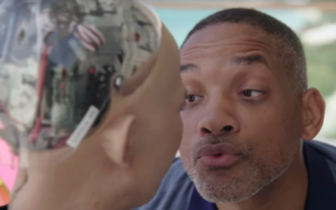 Will Smith a incercat sa flirteze cu femeia robot, dar a fost refuzat de aceasta