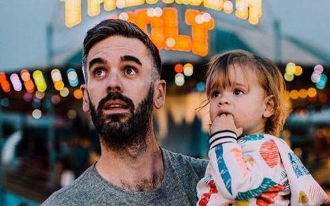 Refuza sa le dezvaluie oamenilor sexul copilului lor. Motivul pentru care acesti parinti au luat o asemenea decizie