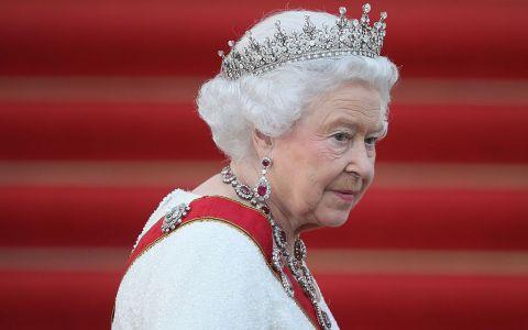 Regina Elisabeta a II-a, sfasiata de durere dupa pierderea uneia dintre cele mai iubite fiinte