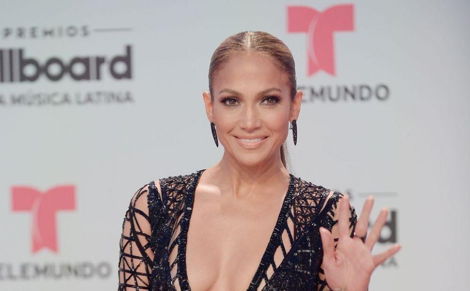 Jennifer Lopez, intr-un selfie care i-a lasat pe fani muti de uimire