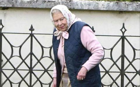 Regina Elisabeta a zburat cu elicopterul pentru a-si cunoaste stranepotul
