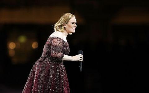 Isteria creata de Adele dupa pozele postate de ziua ei. Ce aspect  straniu  au remarcat fanii