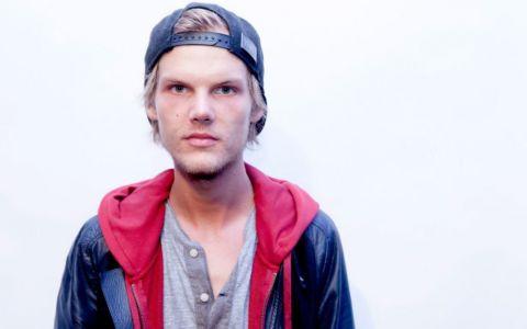 Moment emotionant la Premiile Billboard din acest weekend. Dj-ul suedez Avicii a fost comemorat de catre colegii sai