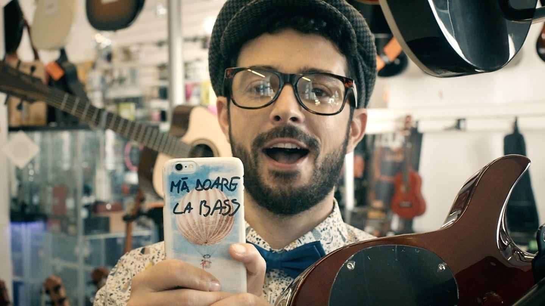 Piesa bdquo;Ma doare la bass  a lui Marius Moga a lansat un adevarat trend in randul vedetelor din Romania