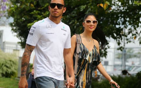Starul Formulei 1 Lewis Hamilton își caută iubirea pe net. Cum funcționează aplicația de întâlniri online a vedetelor