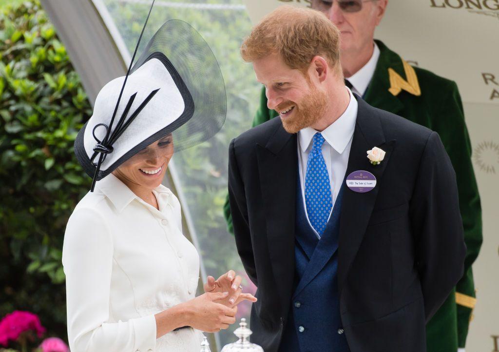 S-a rupt lanțul de iubire? De ce Meghan și Harry nu mai simt nevoia să se țină de mână la evenimentele publice