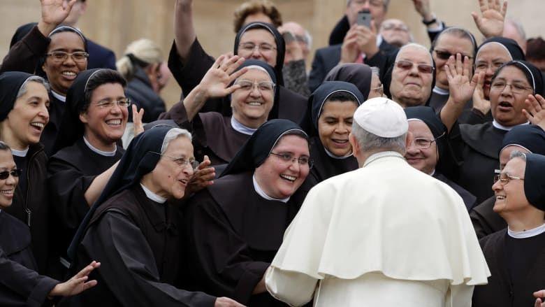 Papa șochează din nou: Nu trebuie neapărat să fie virgine