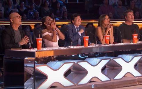 Moment șocant la America s Got Talent! O concurentă a fost scapată de la înalțime în timpul unui exercițiu la trapez