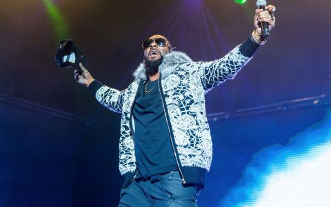 Un rapper cunoscut a lansat o melodie pentru a răspunde acuzațiilor de viol și răpire a unui grup de femei