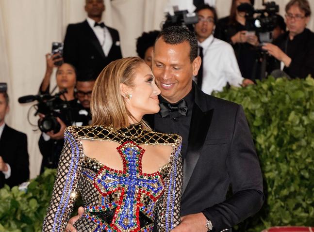 Alex Rodriguez i-a oferit cel mai emoționant cadou simbolic iubitei sale, Jennifer Lopez