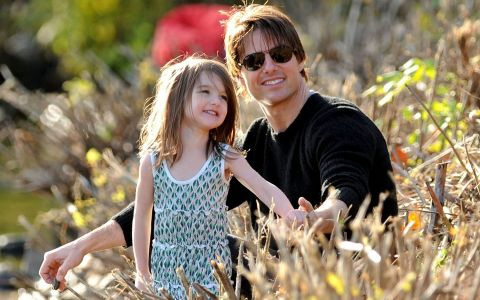Tată, vino acasă!  Fetița lui Tom Cruise se roagă de tatăl ei să o viziteze
