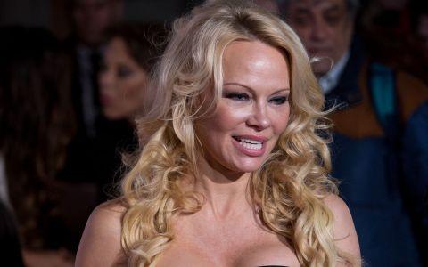 Pamela Anderson vorbește pe șleau despre sexul în trei: bdquo;Toți iubiții mei au fost prea geloși