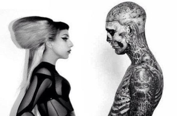 Tânărul din videoclipul lui Lady Gaga s-a sinucis. Ce a scris artista despre Zombie Boy, cel mai tatuat om din lume