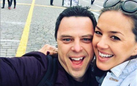 Cine e Adina Butar, viitoarea soție a lui Markus Schulz. DJ-ul a cerut-o în căsătorie în timpul unui concert