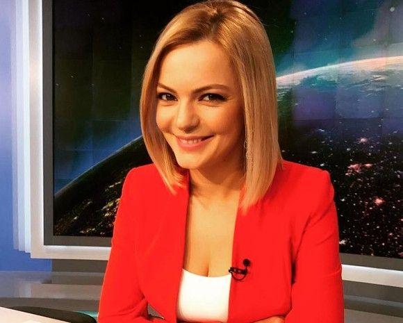 Lavinia Petrea, de la Știrile PRO TV, a devenit mama unei fetițe. Prima fotografie cu fiica sa e adorabilă