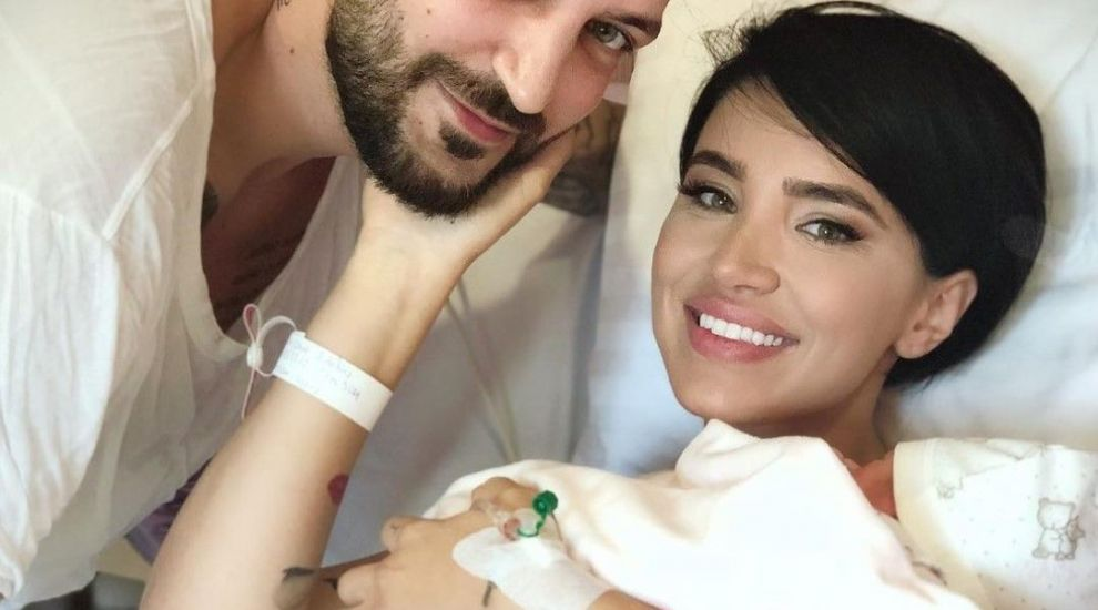 Adelina Pestrițu a revenit la formele de dinainte de sarcină în doar 11 zile. Care e secretul ei
