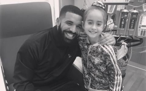 VIDEO Gestul anului! Drake a fugit din turneul său pentru a merge la o fetiță care va suferi un transplant de inimă
