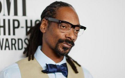 Snoop Dogg și-a șters filmulețele de la protestele din România după ce concertul său din țara noastră a fost anulat