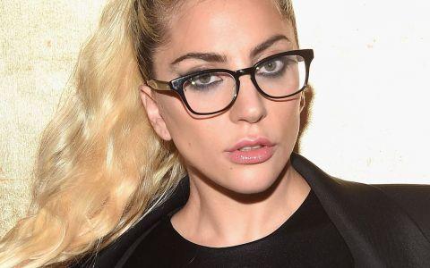 Lady Gaga a pozat nud pentru fotograful preferat a lui Kim Kardashian