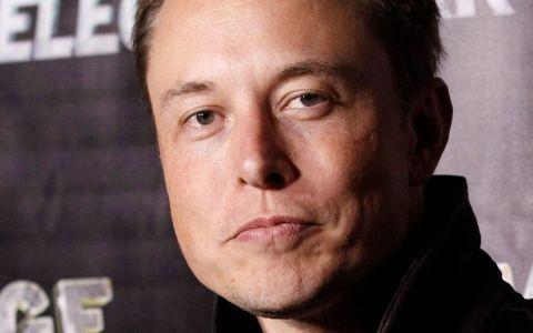 Elon Musk, CEO Tesla / SpaceX: bdquo;Mi-am alocat 10 ore pe săptămână pentru a căuta această femeie