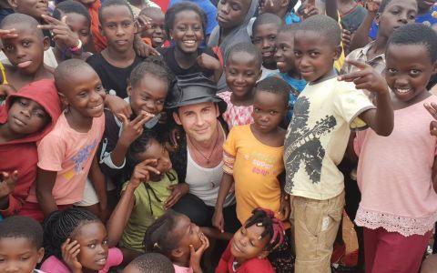 Dan Bălan continuă povestea bdquo;Dragostea din tei  în Africa