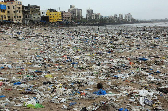 Așa arăta această plajă înainte că oamenii să o curețe complet. Ce s-a întâmplat imediat după curățenie
