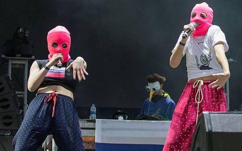 Un activist afiliat trupei Pussy Riot, spitalizat sub suspiciunea de otrăvire. Ce legătură ar avea Vladimir Putin cu incidentul