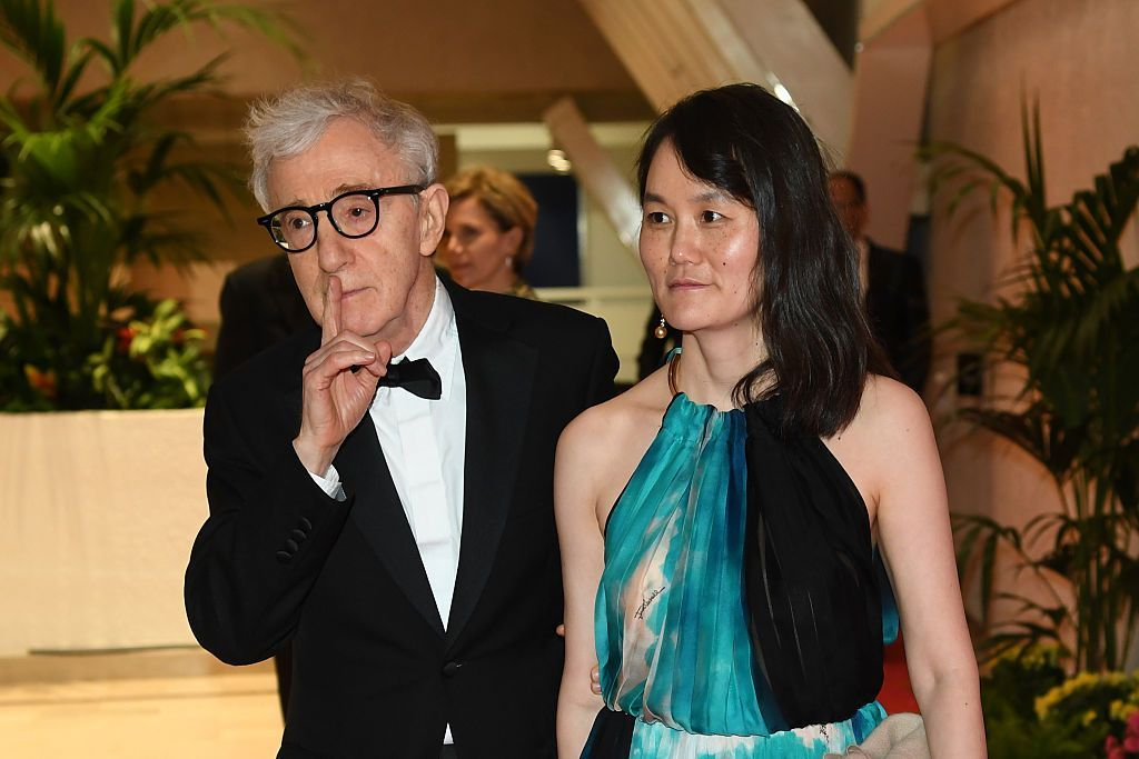 Soția lui Woody Allen îi ia apărarea acestuia în scandalul sexual: bdquo;Este nedrept ce i s-a întâmplat lui Woody