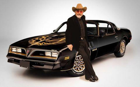 Trei mașini legendare ale actorului Burt Reynolds, scoase la licitație pentru o sumă fabuloasă