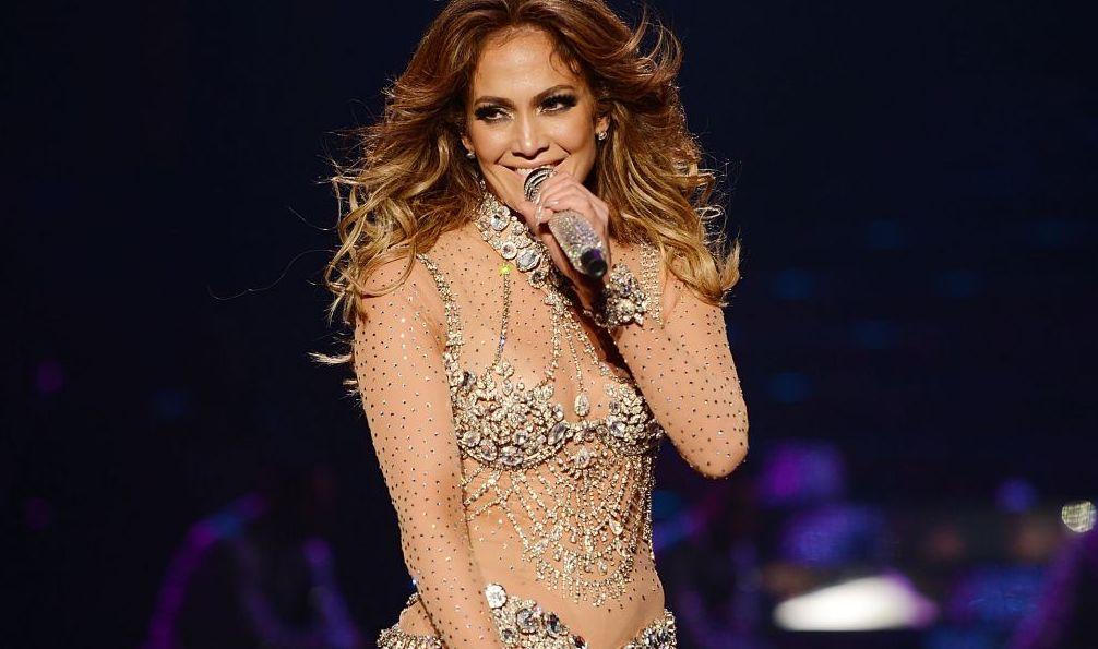 Jennifer Lopez s-a prăbușit, pe scenă, în timpul unui spectacol din Las Vegas. Ce a făcut, imediat, diva