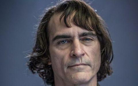 Primele imagini cu Joaquin Phoenix în rolul lui Joker