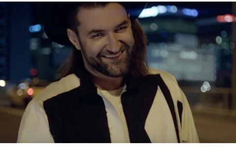 VIDEO Smiley a lansat videoclipul piesei  Aprinde scanteia , o marturie personala despre viata si libertatea de a fi