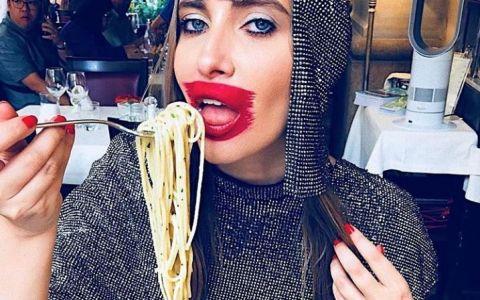 VIDEO Iulia Albu a socat la Milano Fashion Week. Imagini în premieră La Măruță