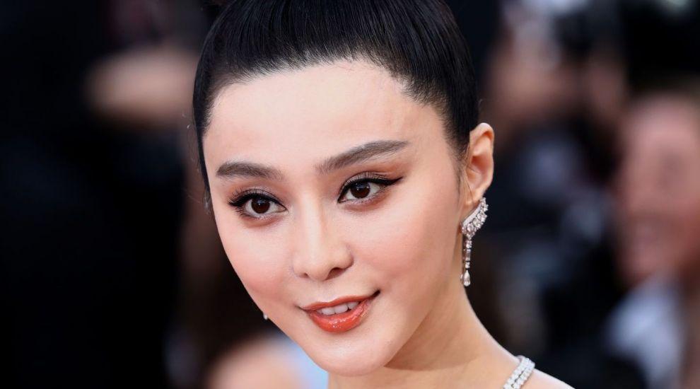 Șocant! Actrița chineză dată dispărută a fost ținută ostatică de autoritățile statului într-un loc secret