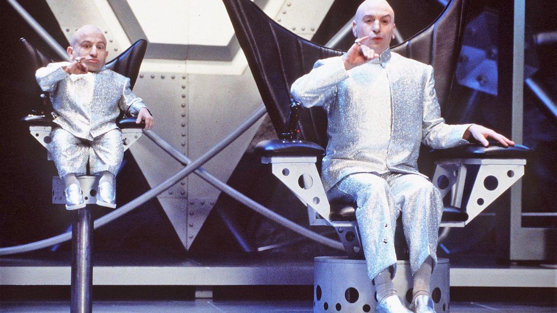 În lumea lui Mini Me. Actorul din seria Austin Powers și-a lăsat rudele fără avere în urma unei alegeri neinspirate