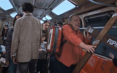 Primul film românesc realizat exclusiv într-un vagon de metrou ajunge pe marile ecrane