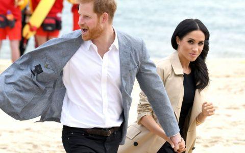 Care este semnificaţia inelului misterios pe care îl poarta mai nou Prinţul Harry şi cât costă?