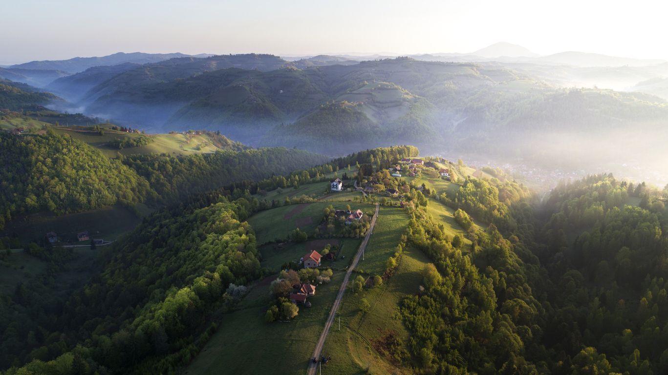 Șapte sate superbe din România, pe care trebuie să le vizitezi toamna