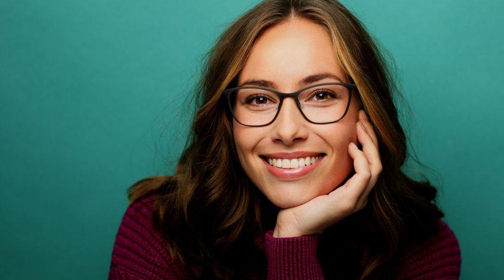 VIDEO Ce ochelari de vedere sunt la modă? Dana Savuica ne arată câteva modele