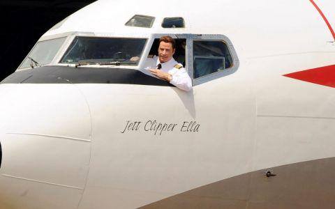 Ce pasiune nebună! Aceste staruri își pilotează propriile avioane