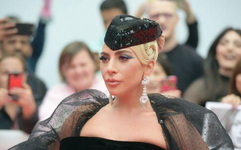 Lady Gaga, așa cum nu ați mai văzut-o niciodată: a livrat pizza și cafea