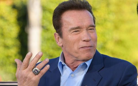 Cum arată noua mașină a lui Arnold Schwarzenegger, un Bentley de un sfert de milion de dolari
