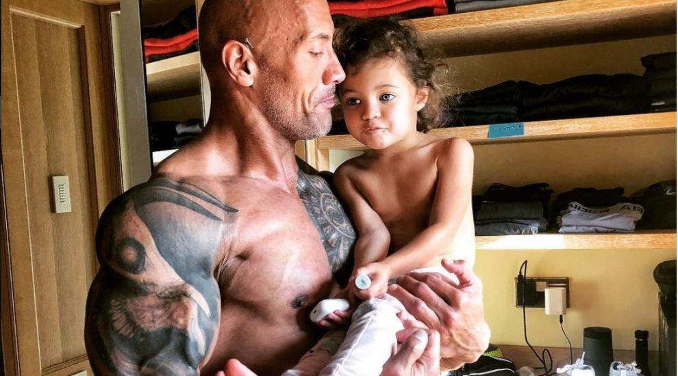 Dwayne Johnson a dat în mintea copiilor de dragul fiicei sale. Cum se joacă actorul cu micuța Jasmine
